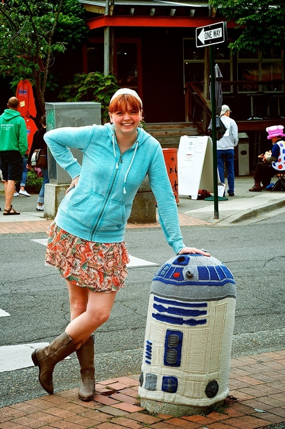 R2D2 Yarn Bomb with Sarah Rudder